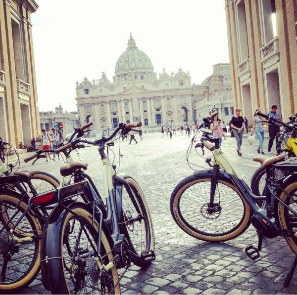 Rome by Bike - Piazza San Pietro - Vatican